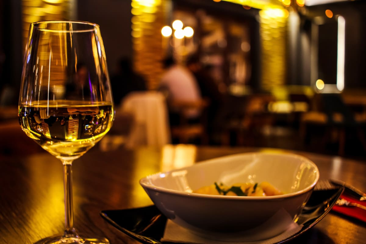 restaurant dinning